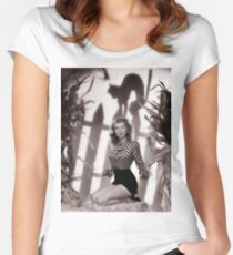 Pin up woman posing with cat shadow over her head, Halloween Women's Fitted Scoop T-Shirt