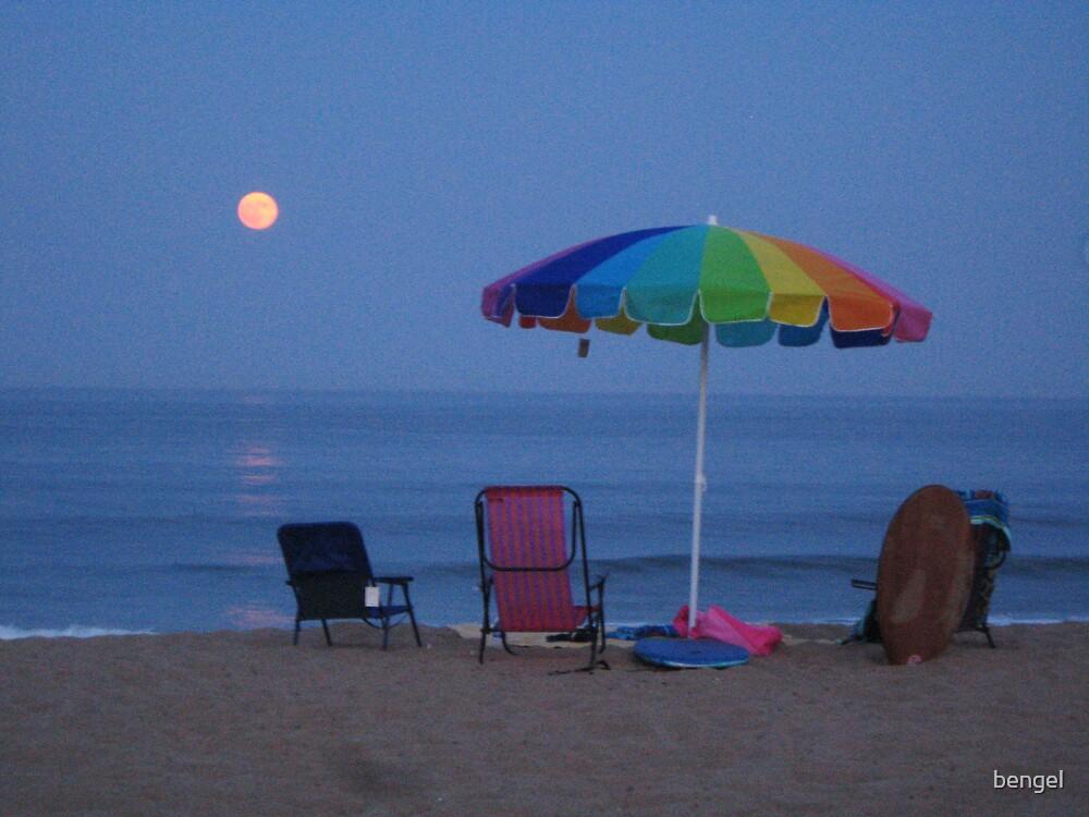 Beach Moonshadow by bengel