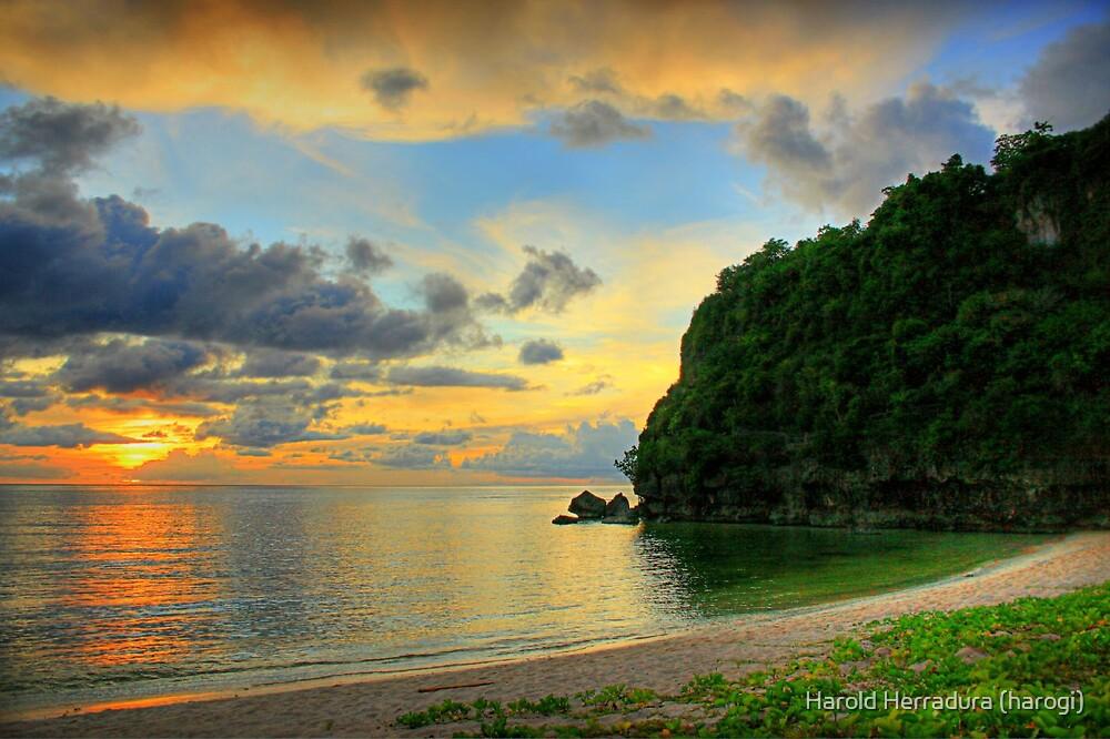 Gun Beach Sunset by Harold Herradura (harogi)
