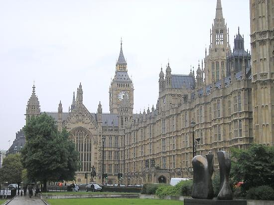 Parliament in London, UK by chord0