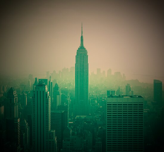 Manhattan Skyline + Empire State Building (Alan Copson © 2007) by Alan Copson