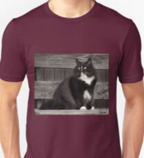 Zoe sitting Unisex T-Shirt
