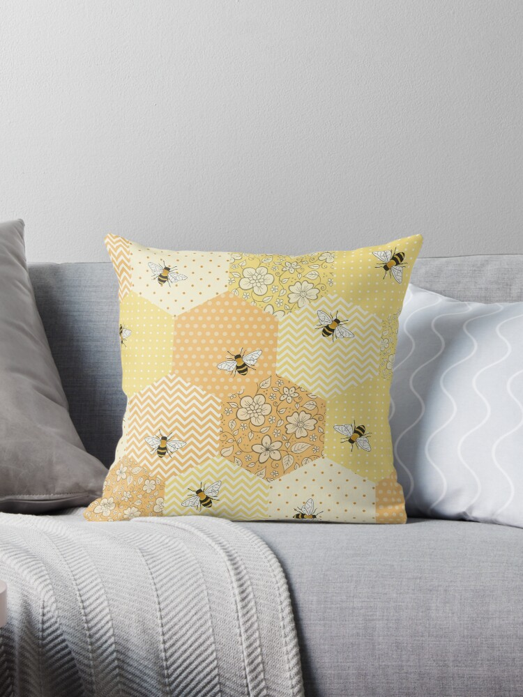 Patchwork Bees pattern by Hazel Fisher