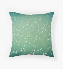 Green ocean blur Throw Pillow
