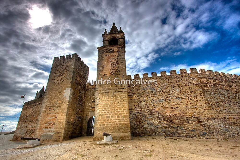 Mourão Castle by André Gonçalves