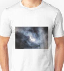 Partial solar eclipse through clouds Unisex T-Shirt