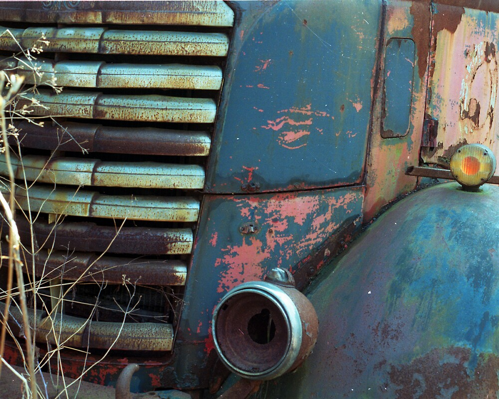 Abandoned truck, Elkton, Maryland by fauselr