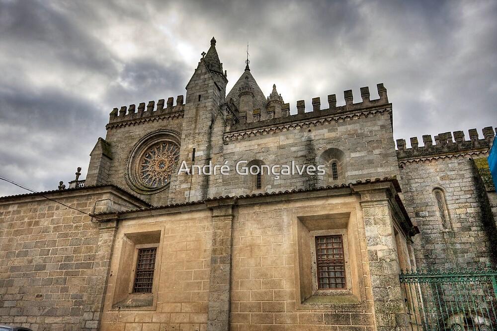 Sé Cathedral, Évora by André Gonçalves