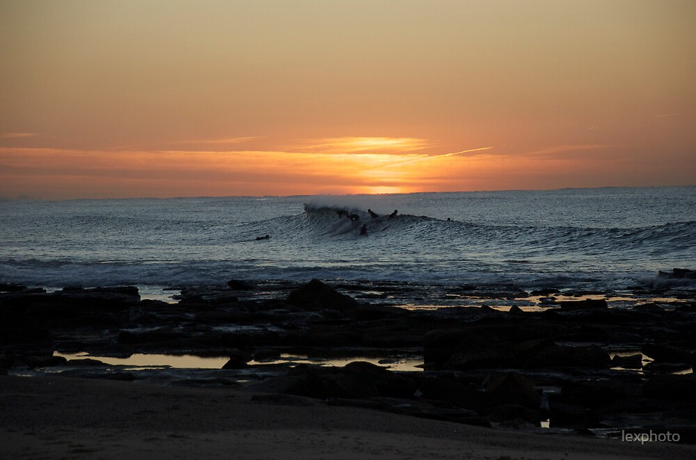 early morning surf by lexphoto