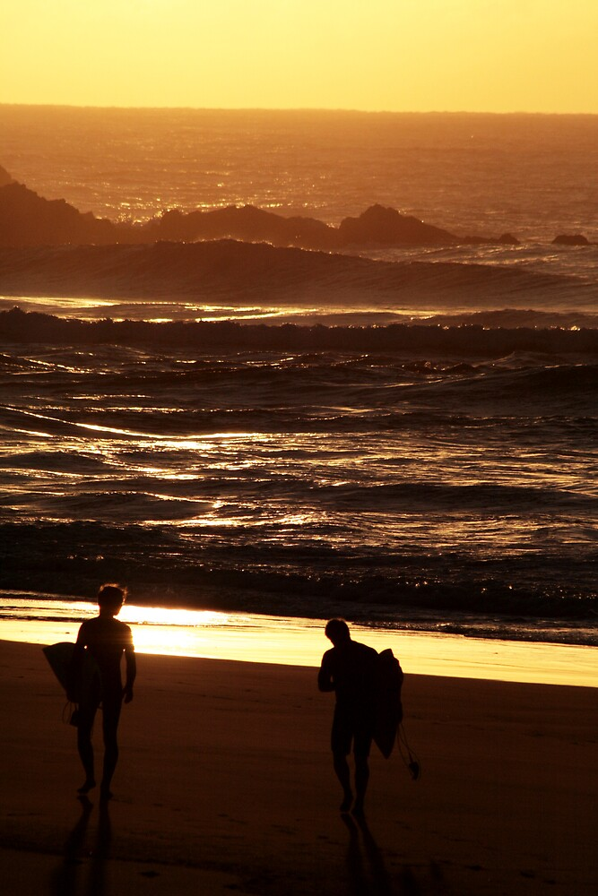 Surfers Heading out to Tallows by Peter Merten