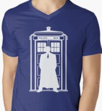 The Doctor and the Tardis Men's V-Neck T-Shirt
