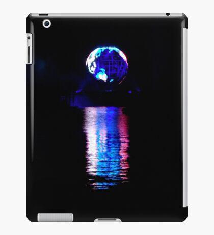 Glowing World iPad Case/Skin