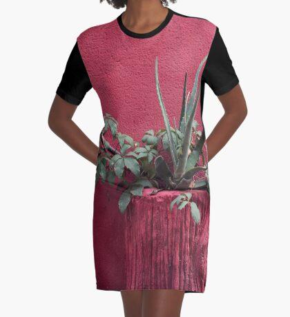 Rosa und Pflanze T-Shirt Kleid