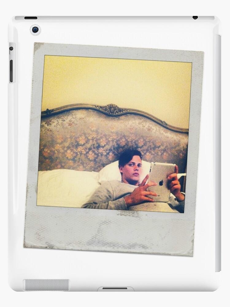 Celebrity: Bills Skarsgard [Polaroid] by FoxGroves