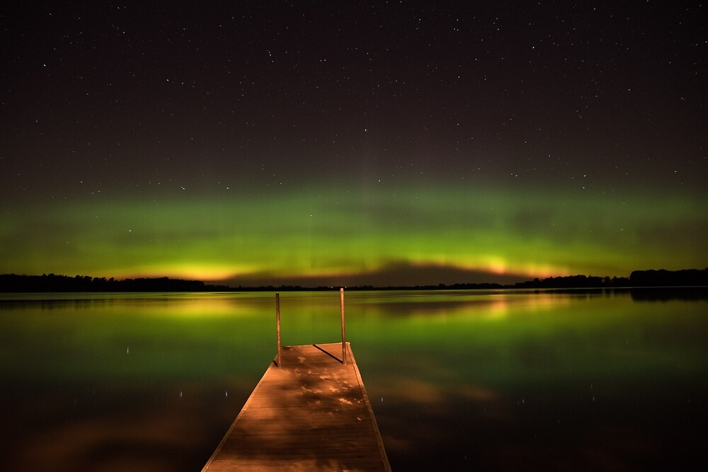 Beautiful Northern Lights in Southwest Minnesota by judyallenphotog