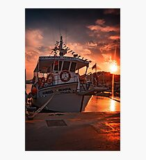 THE END OF A BUSY DAY Photographic Print