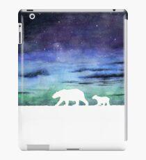 Aurora borealis and polar bears (light version) iPad Case/Skin