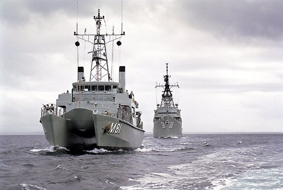 HMAS Rushcutter and HMAS Perth by Jorgie