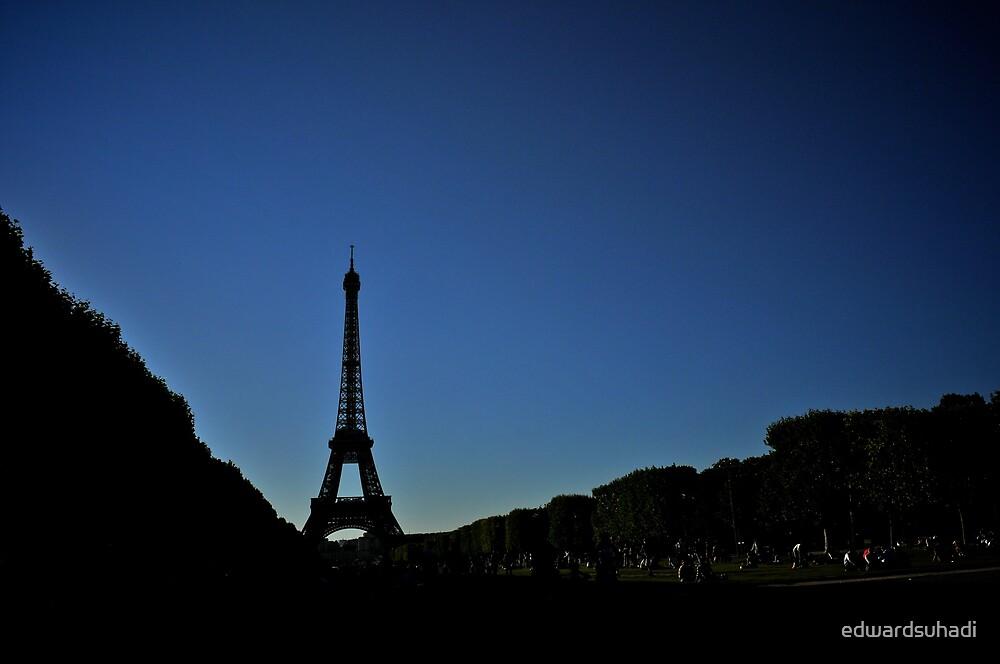 Lone Eiffel by edwardsuhadi