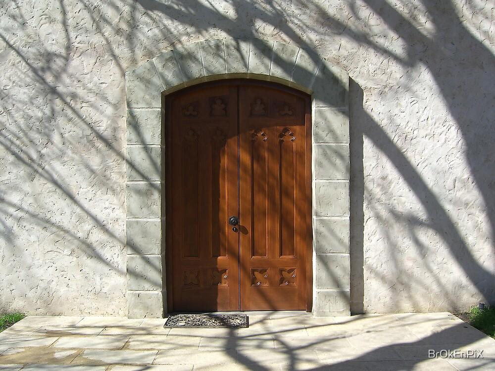 Chapel Doorway by BrOkEnPiX
