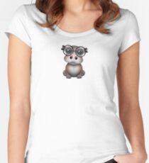 Nettes Nerdy Baby-Flusspferd-tragende Gläser auf Blau Tailliertes Rundhals-Shirt