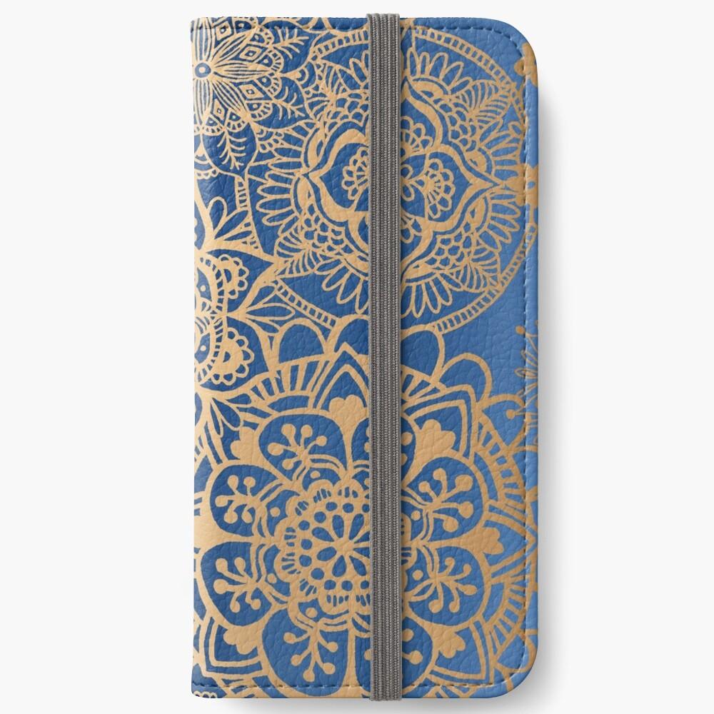 Blau und Goldmandala-Muster iPhone Flip-Case