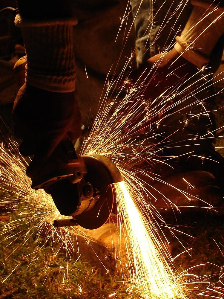 Cortando Hierro by www4gsus