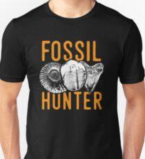 Fossil hunter tshirt - great for rockhounds & paleontologists T-Shirt
