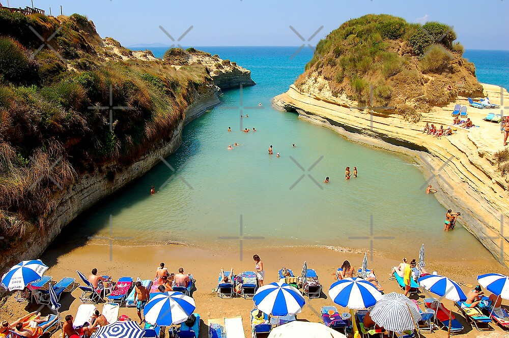 Lovers bay in Corfu by loiteke
