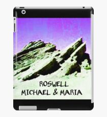 roswell tv show purple sky Michael & Maria iPad Case/Skin
