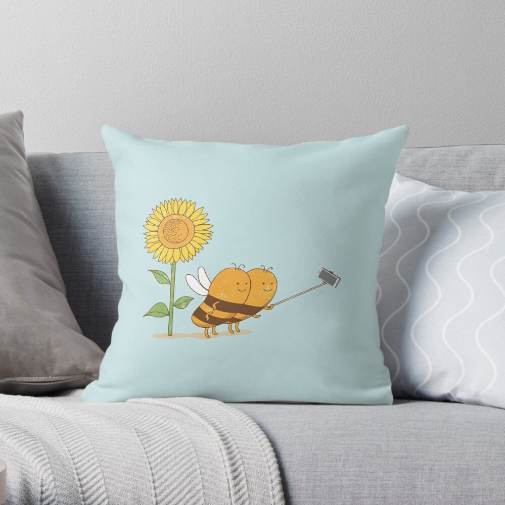 BFF wefie Throw Pillow