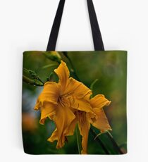 """""""Jersey Spider"""" Daylily Tote Bag"""