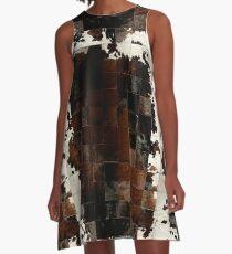 Patchwork aus Rindsleder | Textur A-Linien Kleid