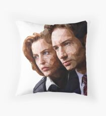 Low Poly X-Files Mulder and Scully Throw Pillow
