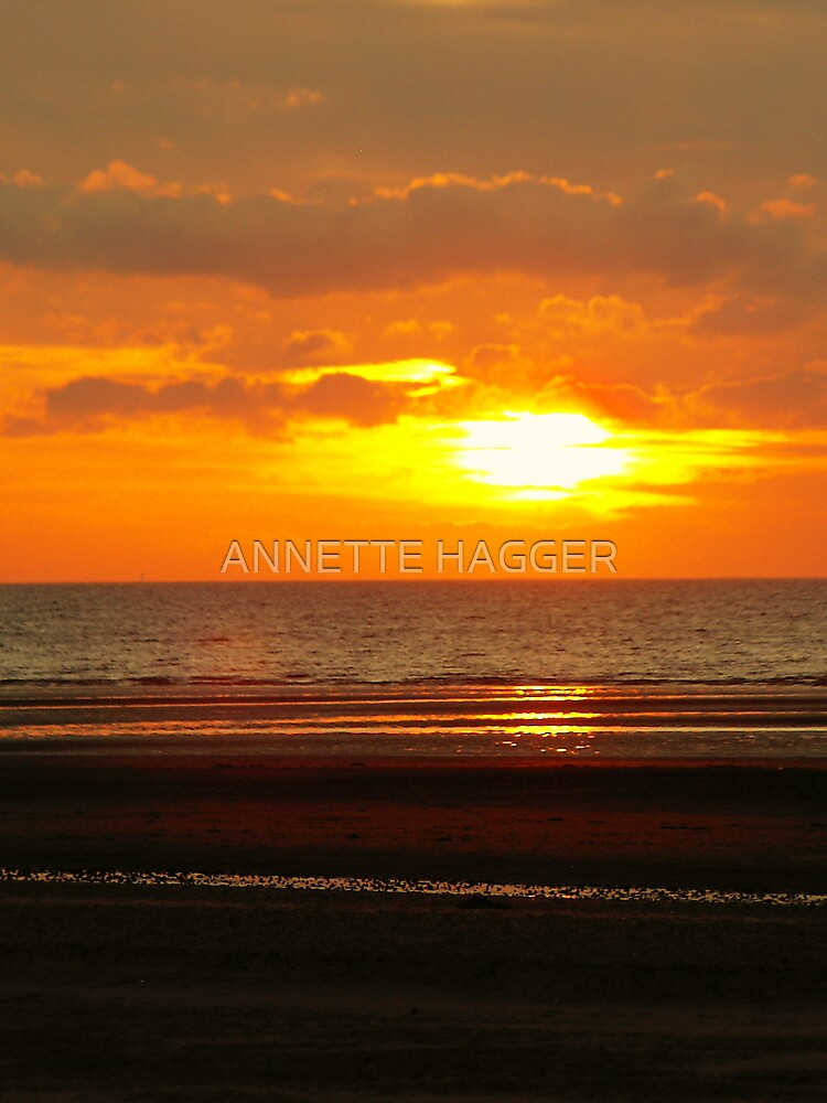 SUNET AT OLD HUNSTANTON by ANNETTE HAGGER