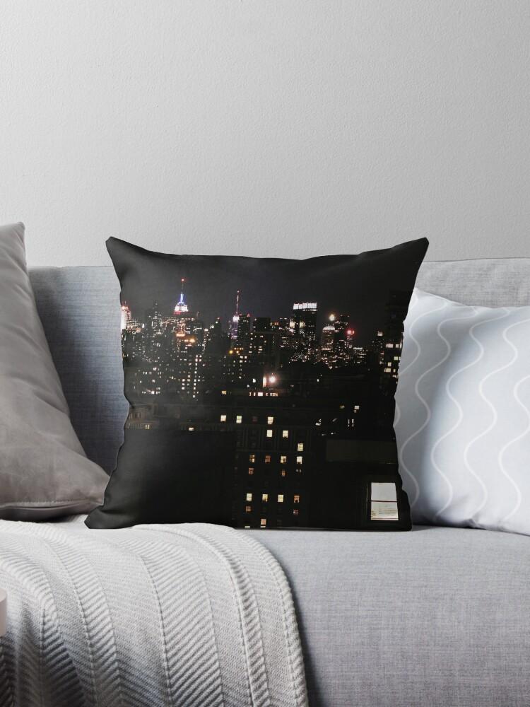 «Horizonte de la ciudad de Nueva York - Windows on the City» de picturedlcphoto
