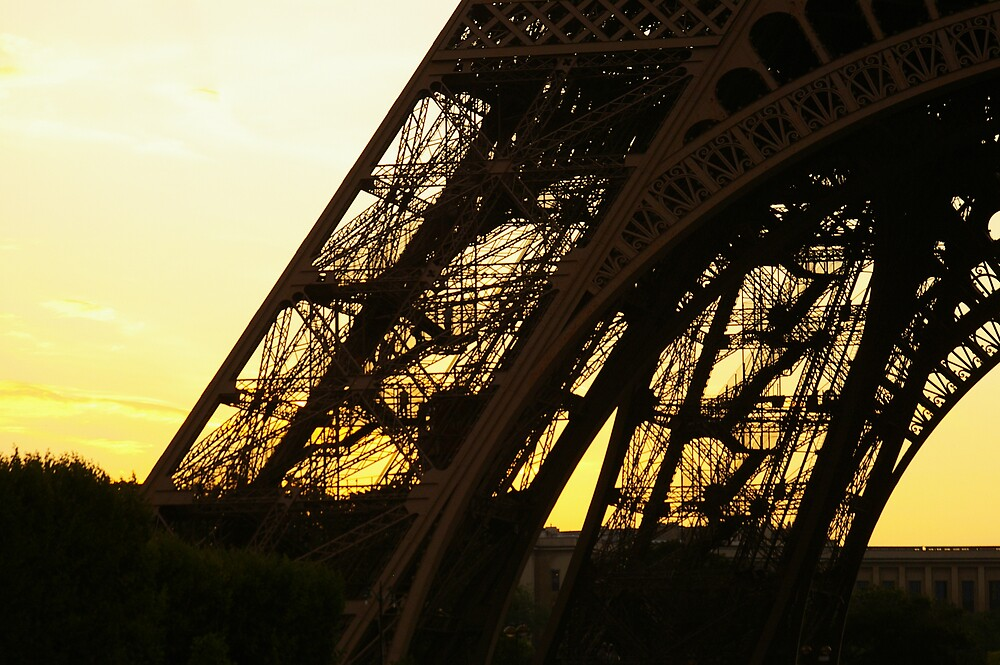 Eiffel Tower on Sunset by shevey