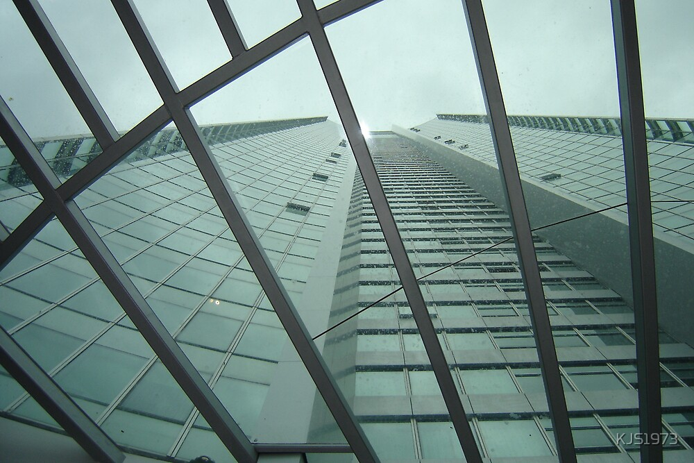 """Q1 BUILDING """"LOOKING UP"""" by KJS1973"""