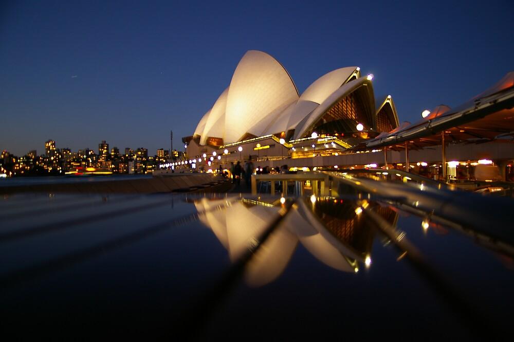 Opera House Reflection by shevey