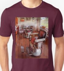 Barber - Please have a seat Unisex T-Shirt