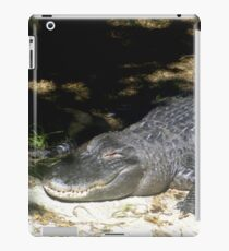 Alligator Sunbathing iPad Case/Skin