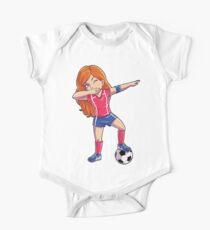 Tupfendes Fußball-Mädchen-Tupfen-Tanz-T-Shirt lustiges Fußball-T-Stück Weltcup 2018 Baby Body Kurzarm