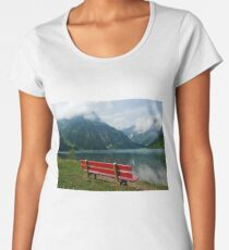 Red bench with a view Women's Premium T-Shirt
