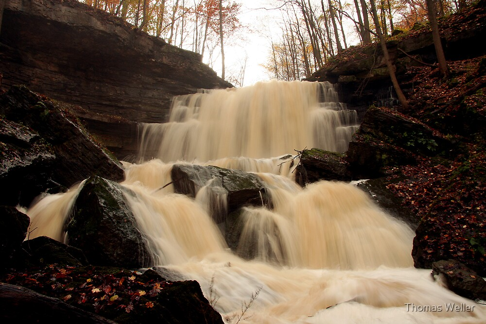 Louth Falls by Thomas Weller
