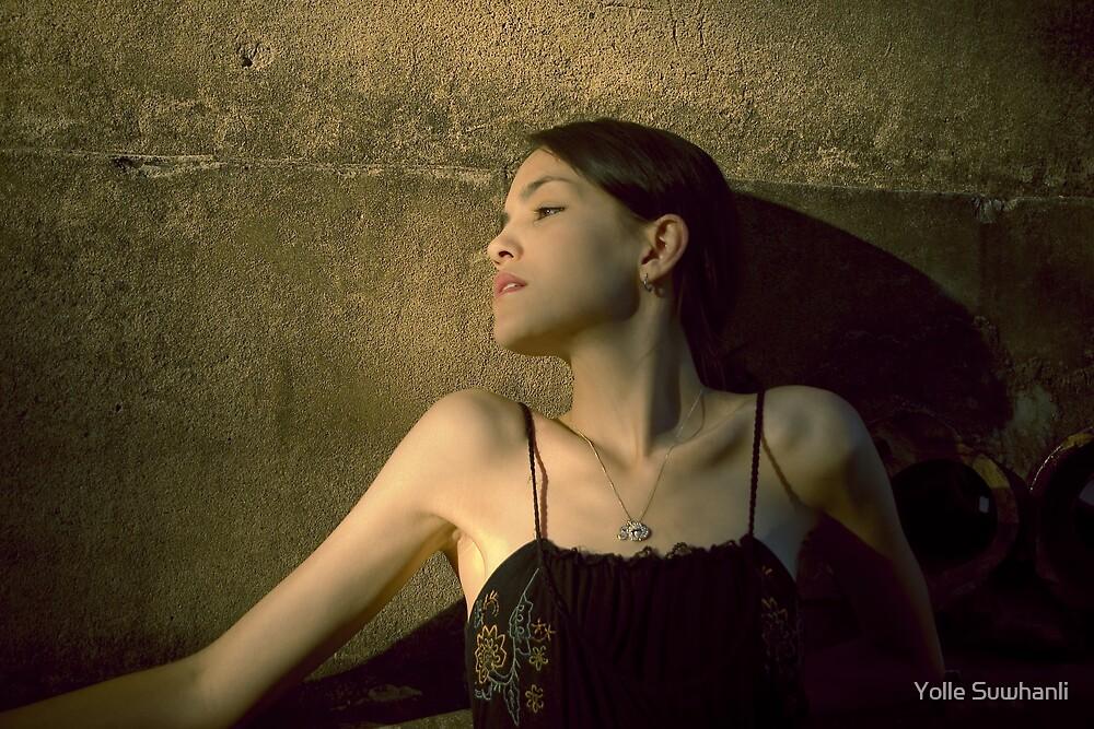 Sophee McPhee by Yolle Suwhanli
