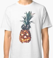 HALLOWEEN PINEAPPLE Classic T-Shirt
