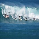 Waimea Bay Crowd by kevin smith  skystudiohawaii