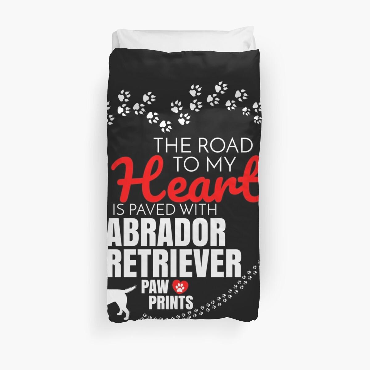 «El camino a mi corazón está pavimentado con Labrador Retriever Paw Prints Labrador Retriever perro camiseta Sudadera con capucha Iphone Samsung Phone Case Taza de café Tablet Case regalo» de dog-gifts