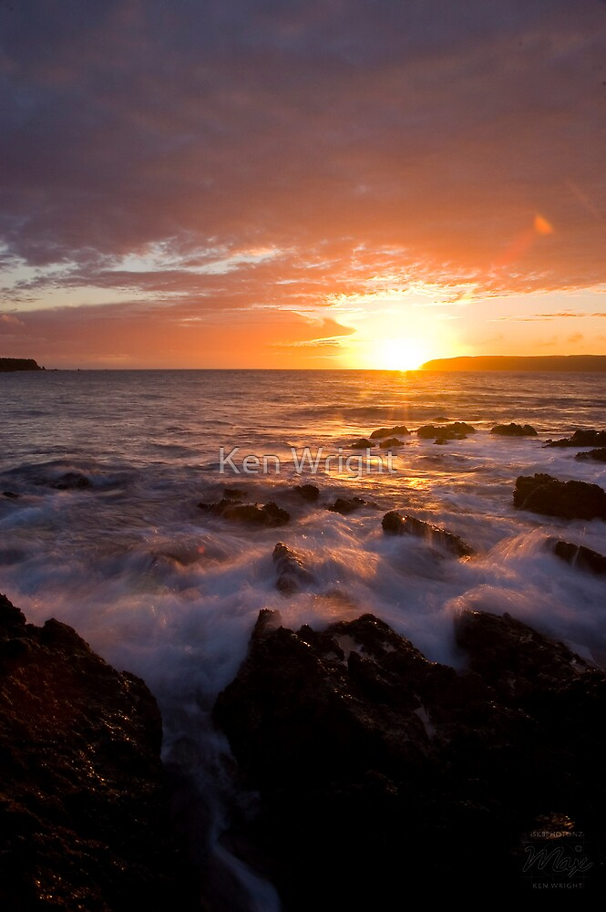 Dying Sun, Last Light at Titahi Bay by Ken Wright