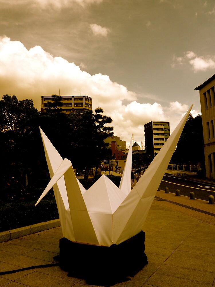 Crane - Hiroshima Peace Park by geikomaiko